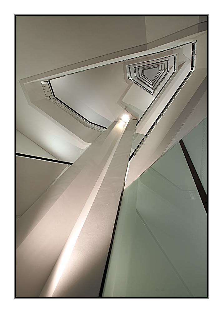ein Obelisk im Stiegenhaus