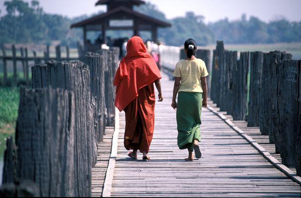 """Ein """"Paar"""" auf U Bein Bridge"""