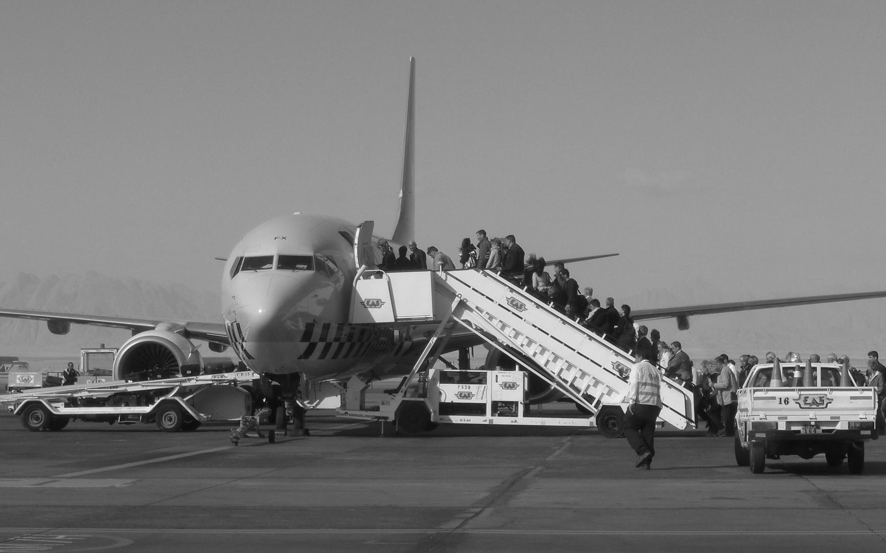 Ein paar geh'n noch... - Abflug aus Hurghada