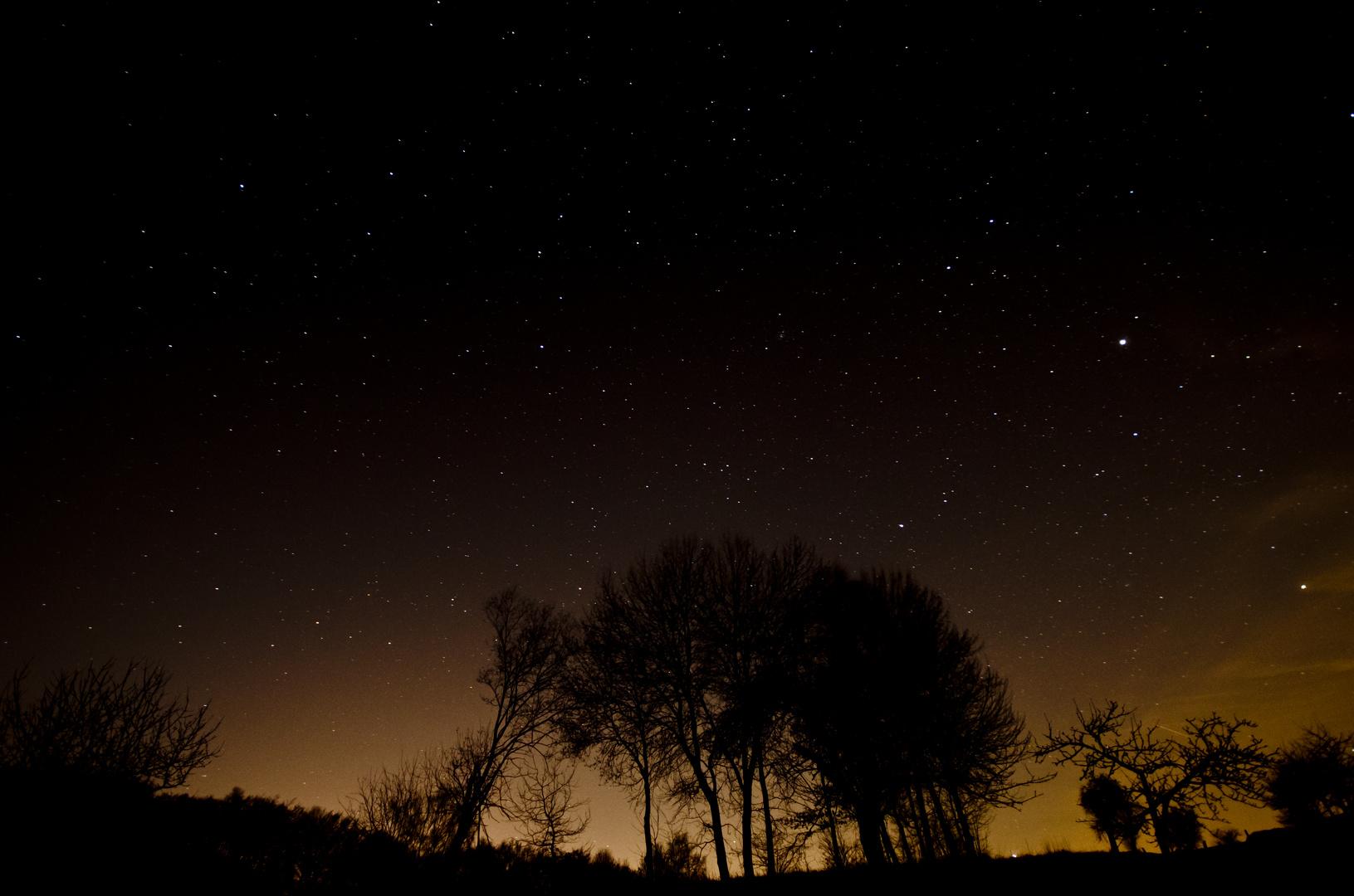 Ein paar Sterne am Himmel über Aschaffenburg