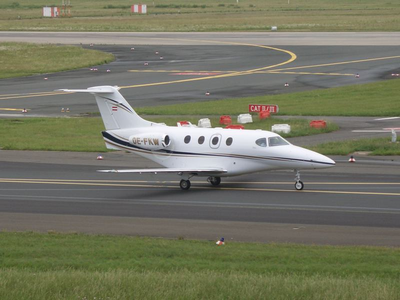 Ein Privat-Jet (denk ich mal...) in Düsseldorf