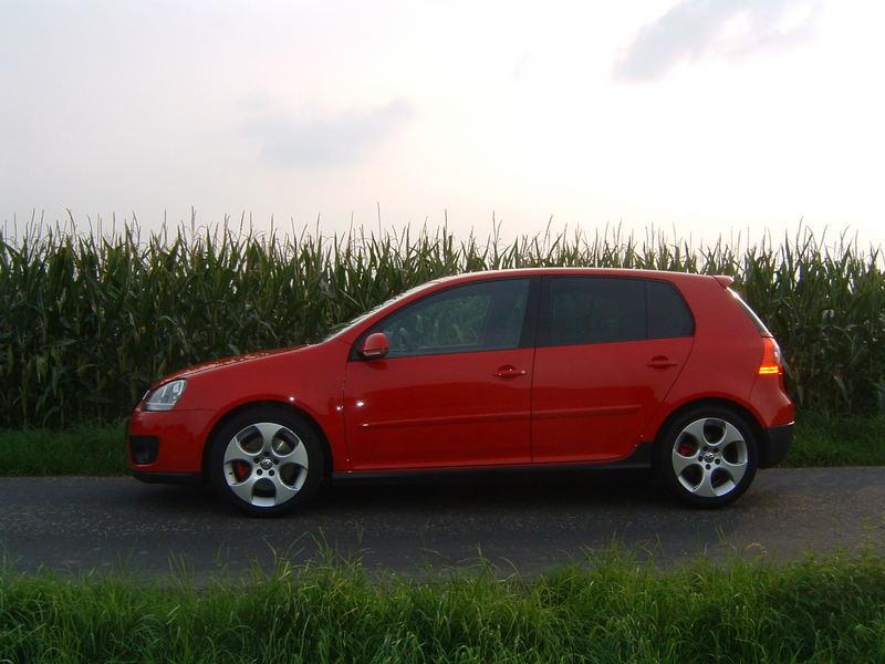 ein roter GTI