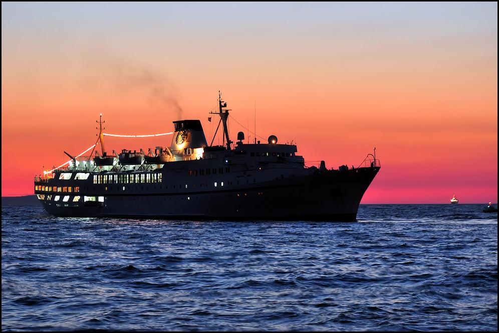 Ein Schiff *4