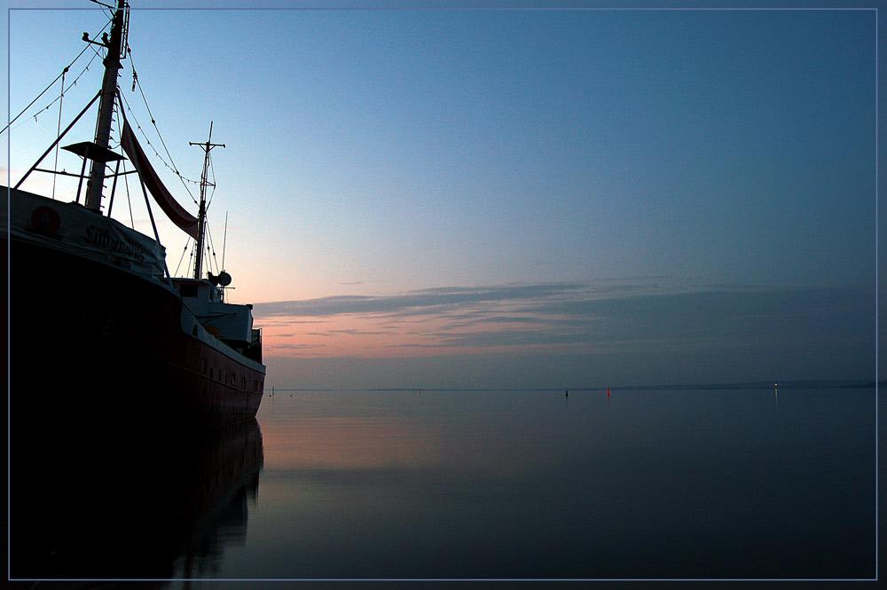 Ein Schiff...