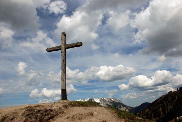 Ein schlichtes Kreuz
