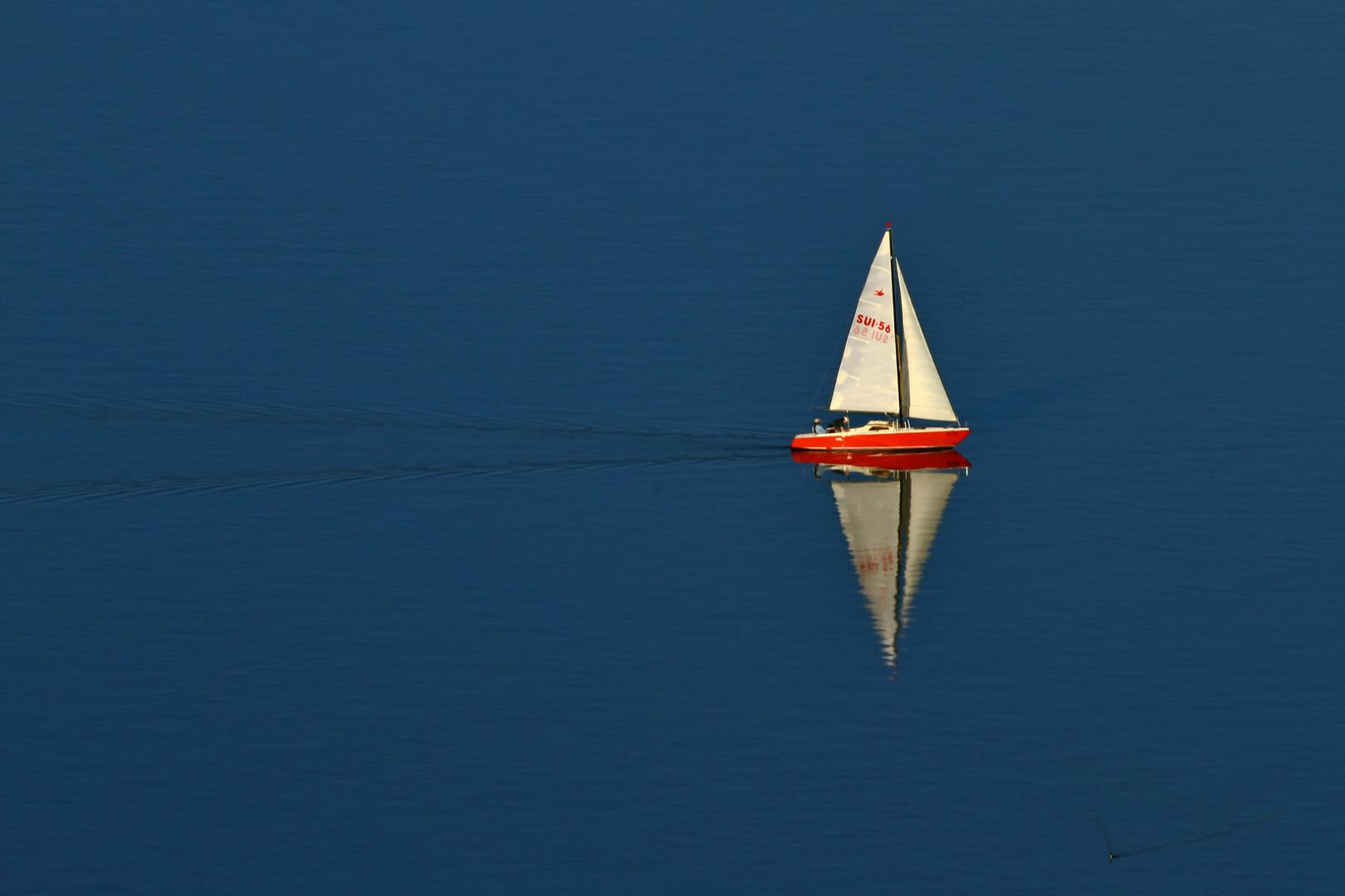 Ein Schöner Tag auf See, fast ohne Wind.