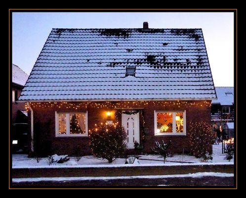 Ein schönes geschmücktes Haus