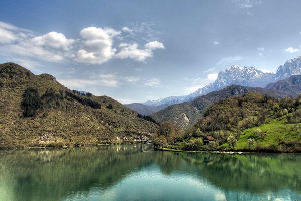 Ein See in Bosnien