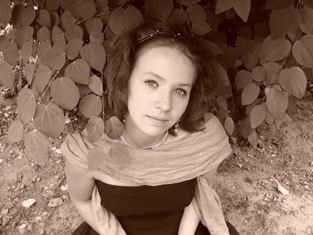 Ein sepia Portrait von meiner Schwester