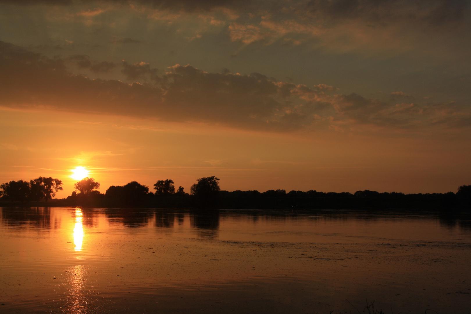 Ein Sommerabend am Fluss ....