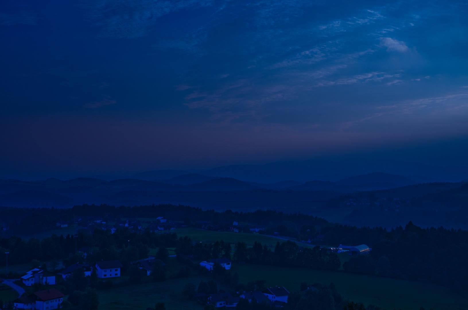 """Ein Spätsommertag geht zu Ende III           DIe """"Blaue Stunde"""" beginnt."""