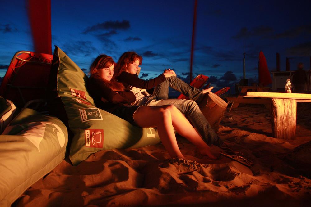Ein Strandabend am Lagerfeuer