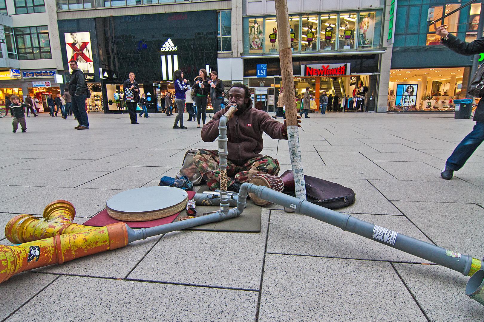 Ein Straßenmusikant