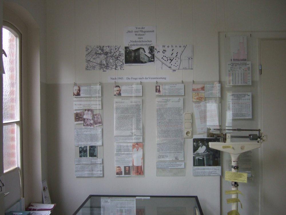 Ein Teil des Ausstellungsraumes in der Gedenkstätte in Wehnen