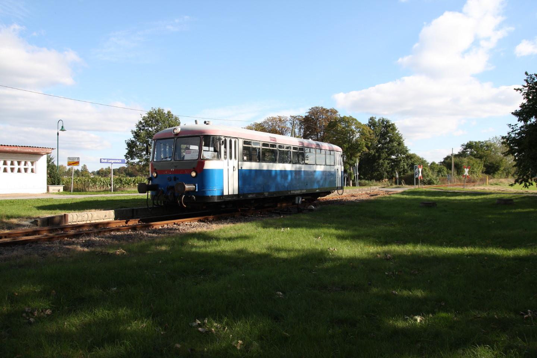 Ein Uerdinger-Triebwagen in Groß Langerwisch 1.