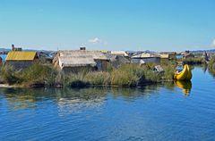 Ein Urodorf am Titicacasee in der Bucht von Puno