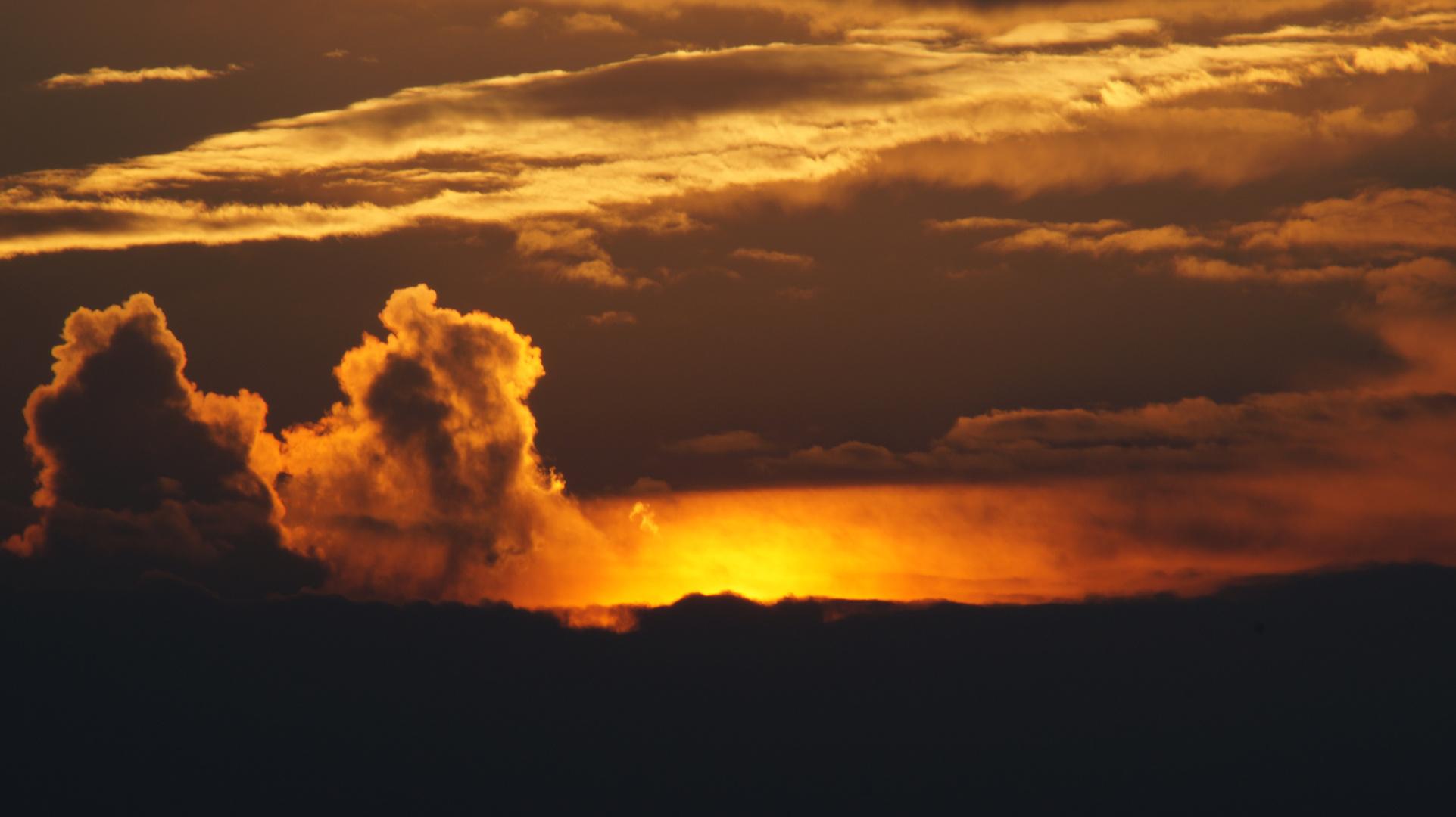 ein Vulkan oder doch nur die Sonne?