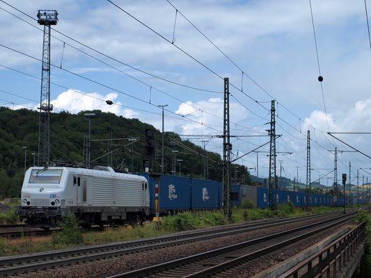 Ein weißes Fretchen kommt durch Eisenach gefahren Teil 3