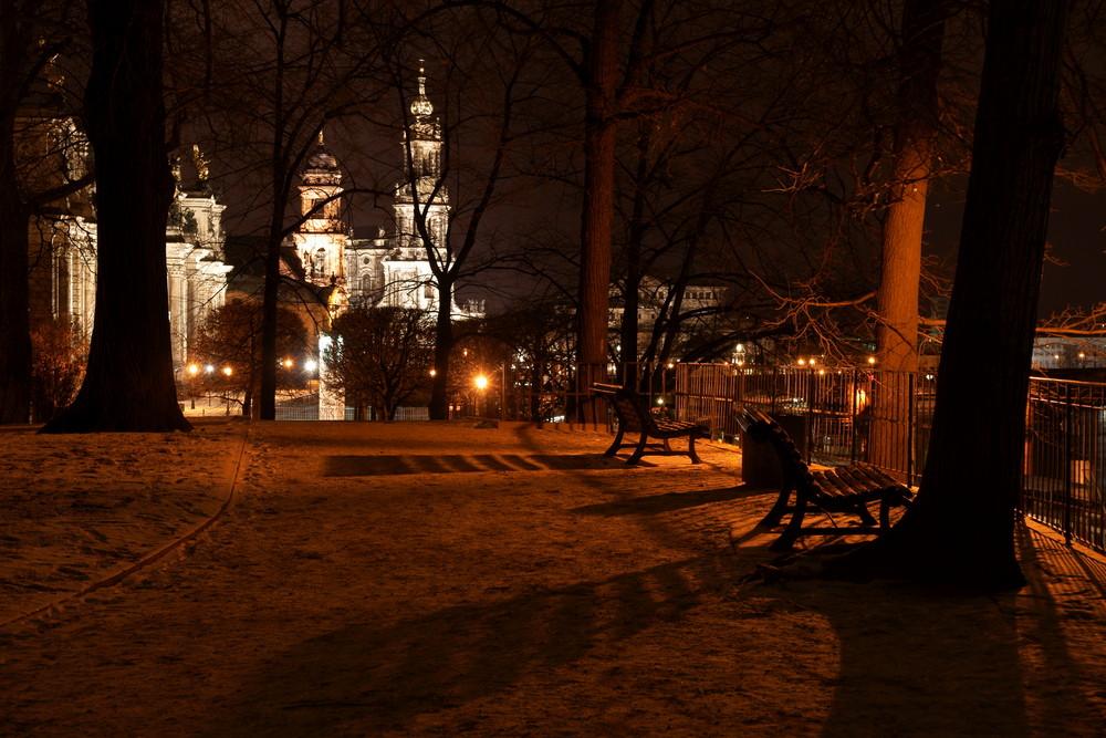 ein Winterabend auf der Brühlschen Terrasse
