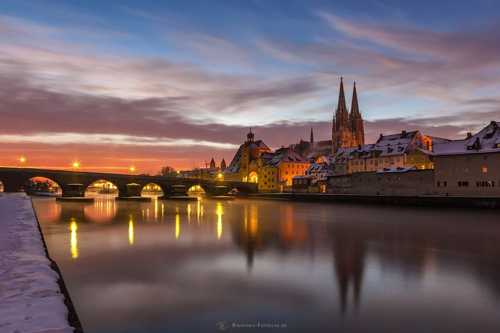 ein wintermorgen in regensburg foto bild world kalt sonnenaufgang bilder auf fotocommunity. Black Bedroom Furniture Sets. Home Design Ideas