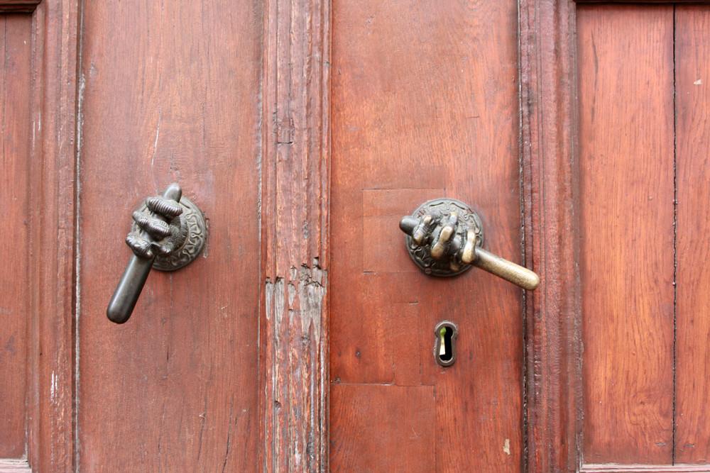 Ein winzigkleiner Blick durchs Schlüsselloch
