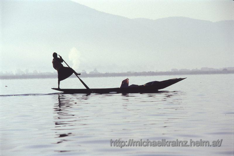 Einbeinruderer am Inle See