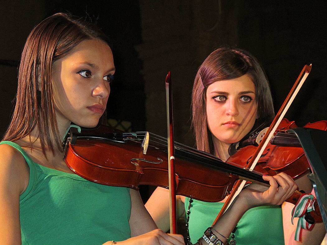 Eindrücke während eines Jugendorchesterkonzertes / Impressioni mentre un concerto della gioventù (5)