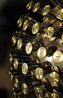 Eine alte Schreibmaschine der DASA 2