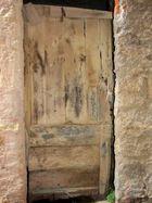 eine alte Tür in Cervo