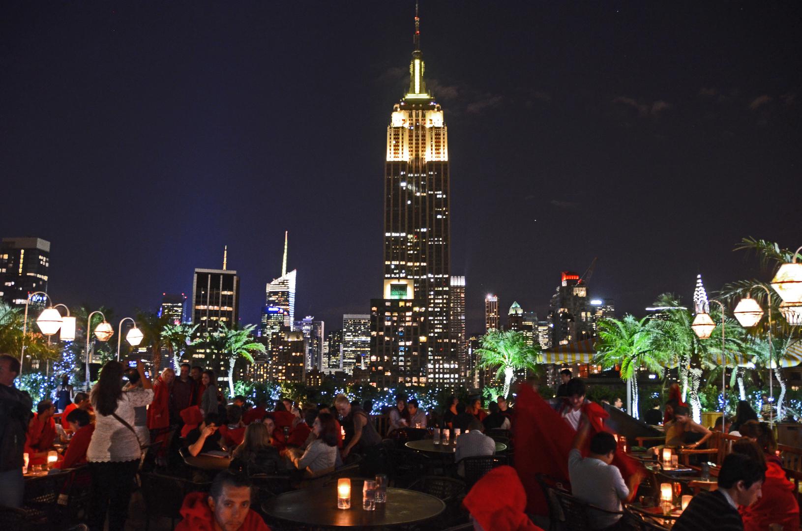 """Eine Bar """"230 Fifth  von New York"""