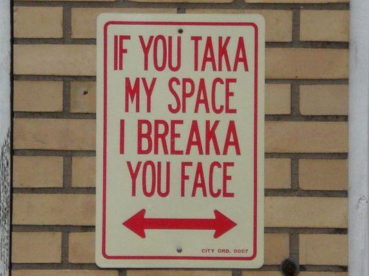 Eine besondere Art der Parkplatzreservierung....