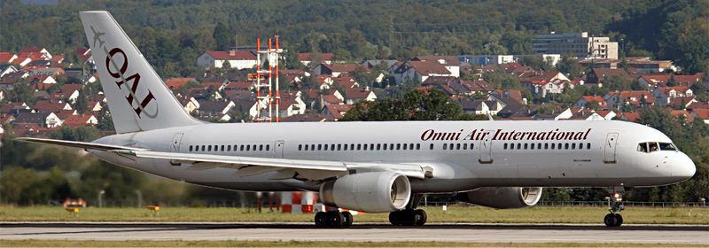 Eine Boing 757-200ER der Omni Air International Airline