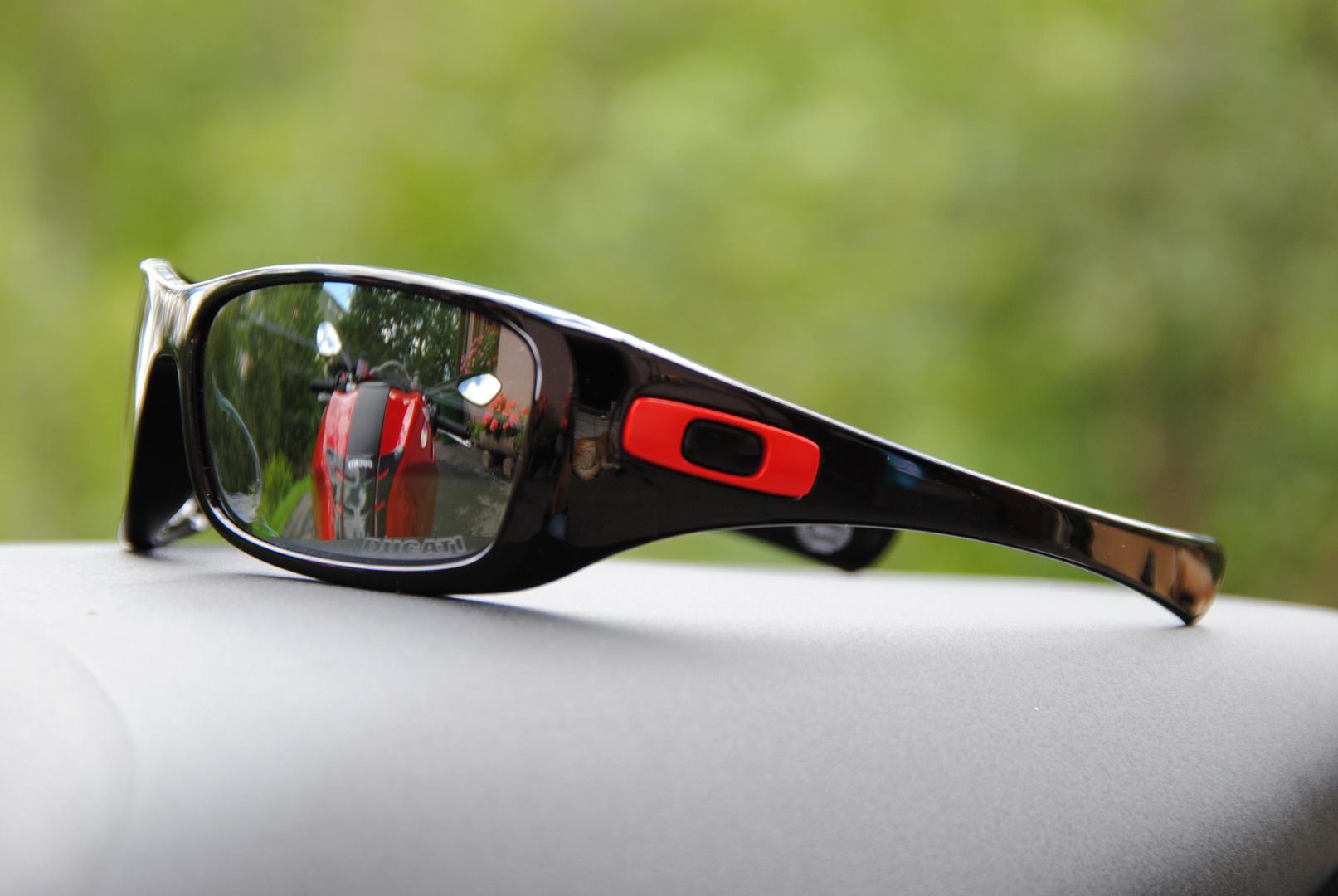 eine brille eine marke