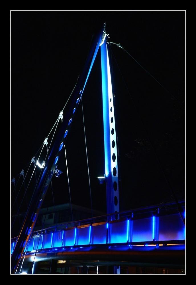 Eine Brücke...