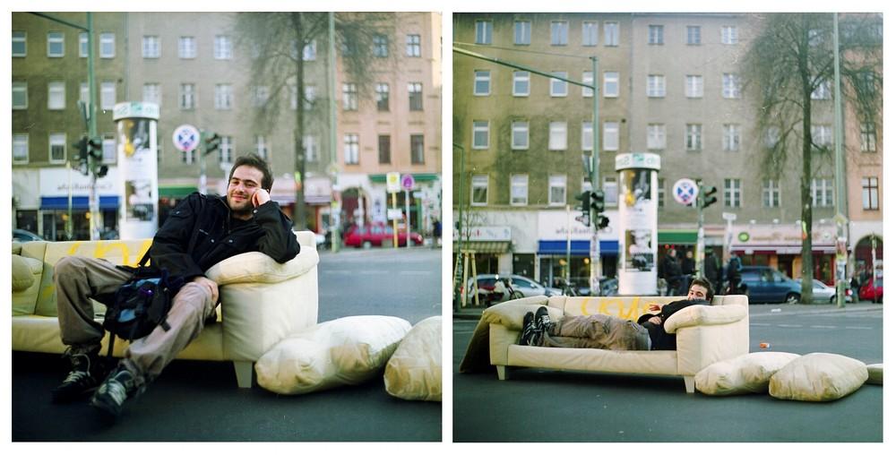 °eine couch auf eine kreuzung zu stellen ist keinesfalls nur ein zeichen der demonstration