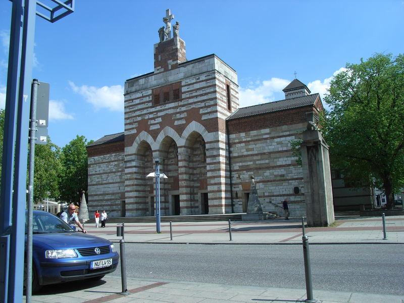 Eine der Neu-Ulmer Kirche