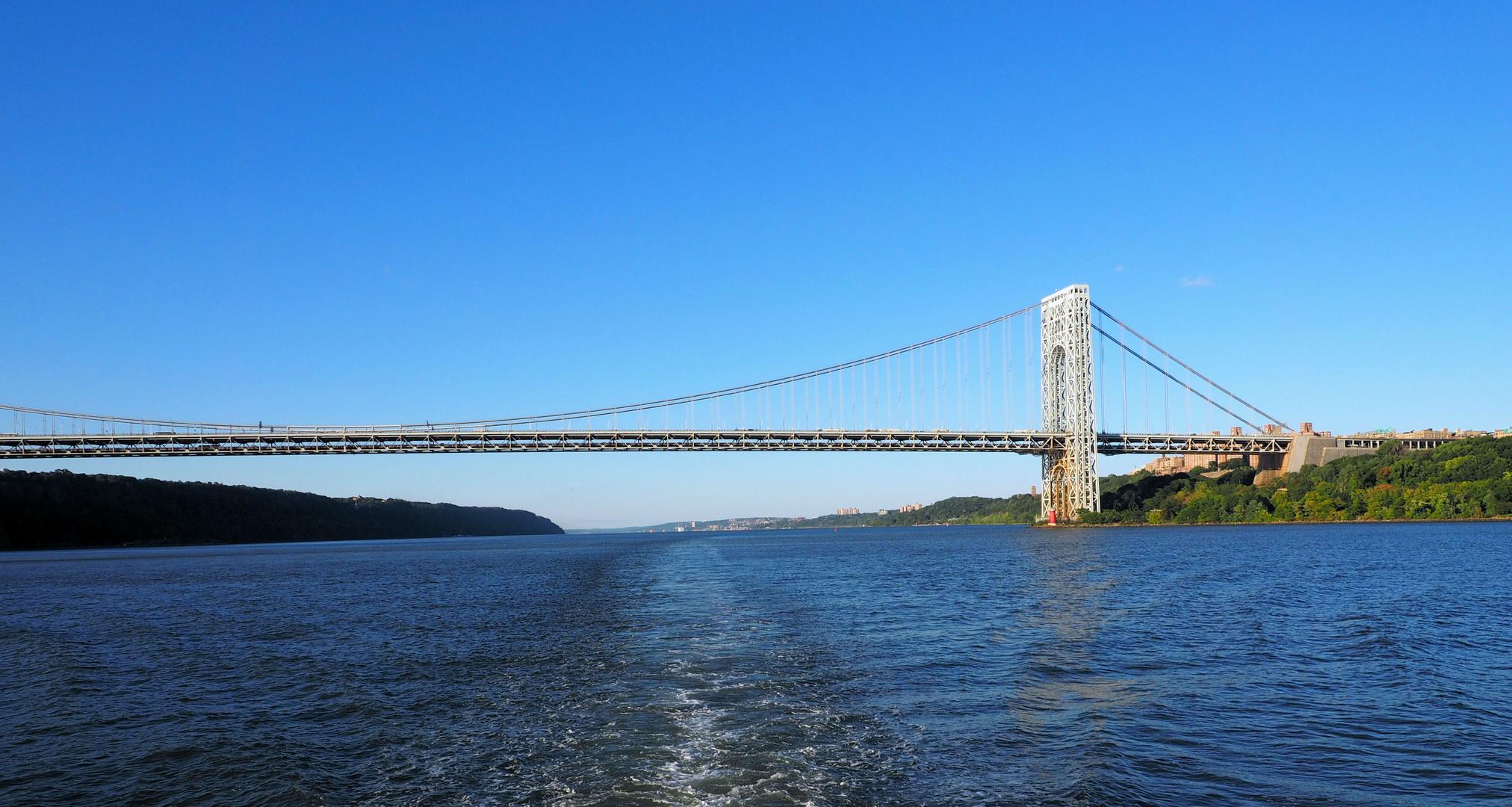 Eine der vielen Brücken in New York