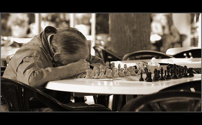 Eine echt langweilige Partie Schach