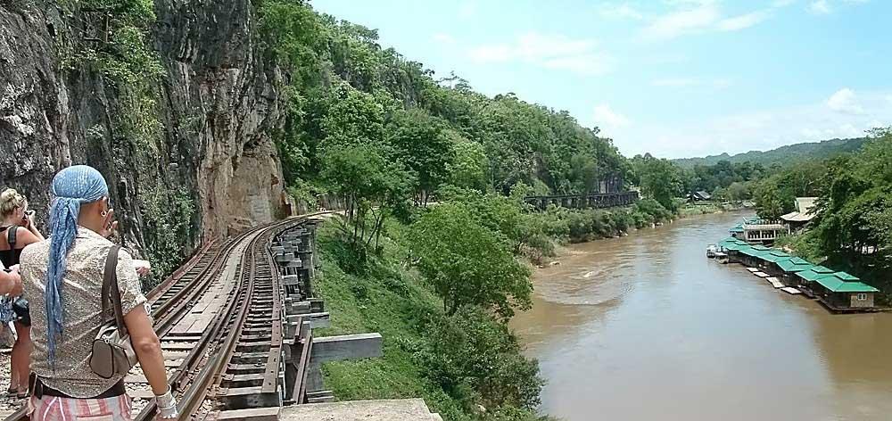 Eine Eisenbahntrasse in Kanchanaburi