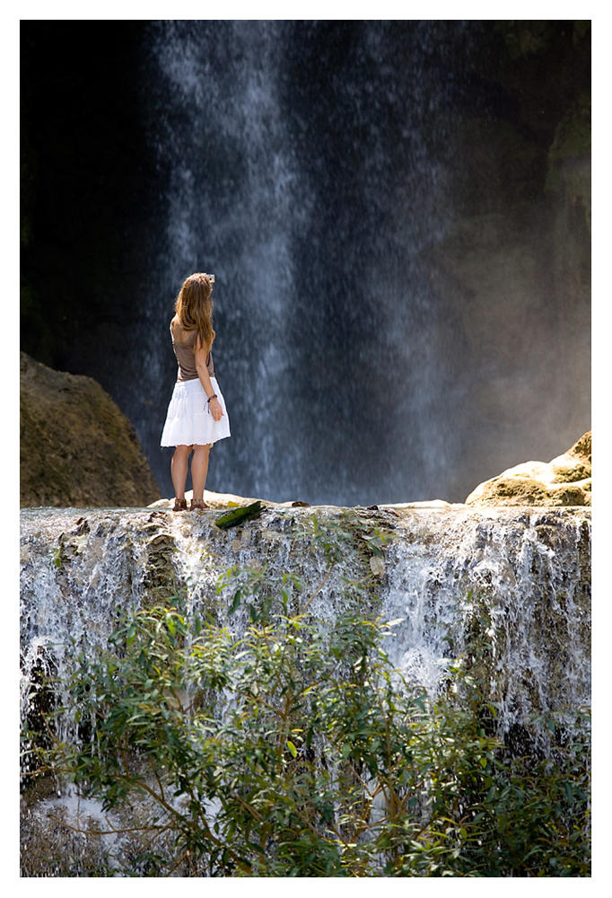 Eine Frauenträne kann stärker sein als ein Wasserfall.  Aus Kanada