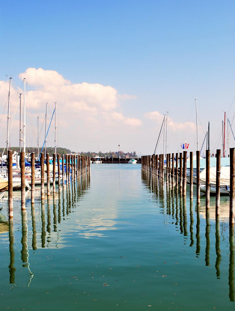 Eine Gasse am Hafen