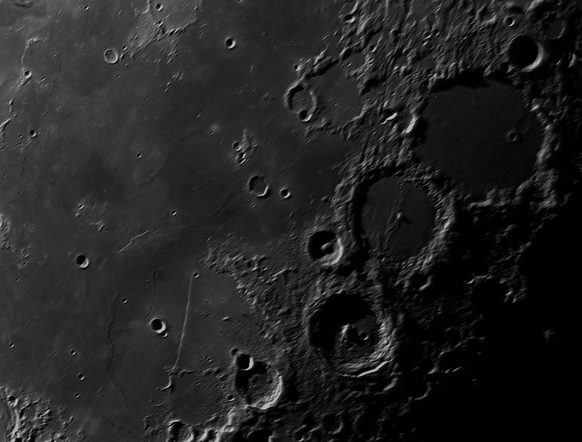 Eine kleine Kraterlandschaft