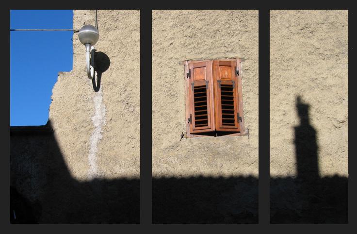 Eine Lampe, ein Fenster und kein Kamin
