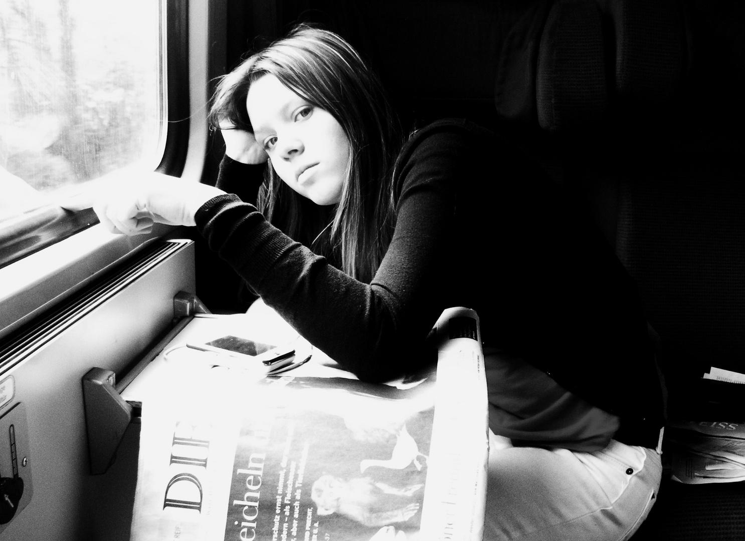 eine lange Rückreise in der Bahn odr Figuren ans Zugfenster gemalt