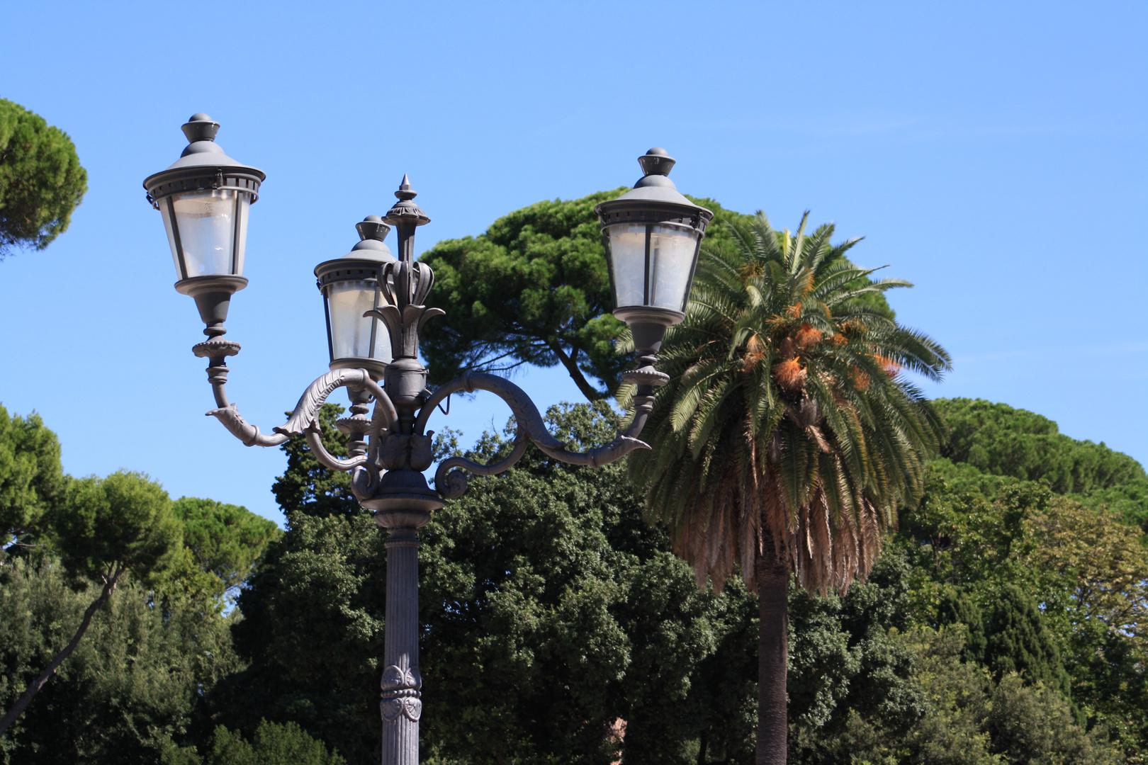 Eine Lichtquelle im Park