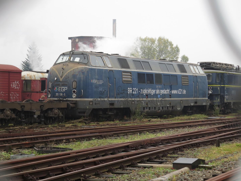 Eine Lok der EGP (V200) unter Dampf in Wittenberge.