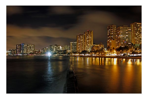 Eine Nacht am Waikiki Beach