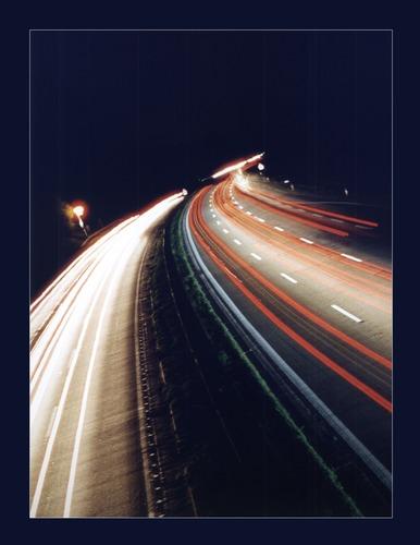 Eine Nacht auf der Autobahnbrücke