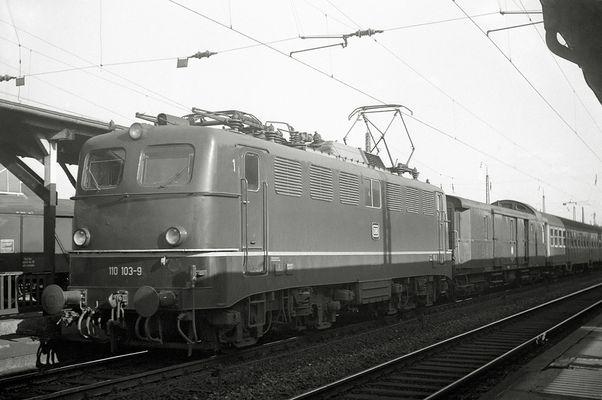 Eine noch ältere gute alte E 10