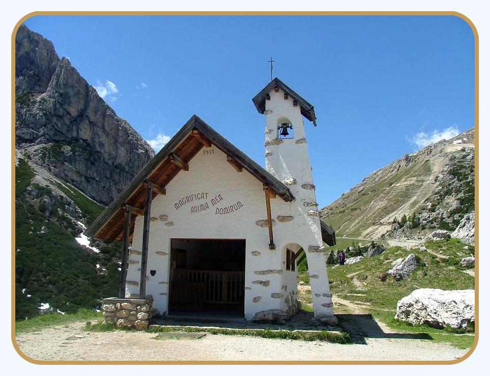 Eine schöne Kapelle in den Dolomiten